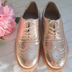 Wanted/ Leather Oxford in Metallic Rose Gold 7